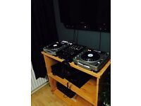 Dj Table without equipments