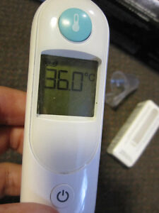 Braun IRT 6020 ThermoScan Ear Thermometer - like New, open box Kitchener / Waterloo Kitchener Area image 10