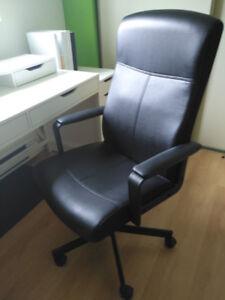 Chaise IKEA pour votre bureau