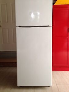 Fridge sale small for appartment or bar