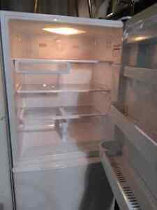 Samsung fridge freezer and ice maker on bottom Edmonton Edmonton Area image 3
