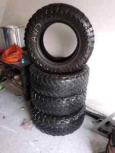 4 Toyo open country 265/70r17