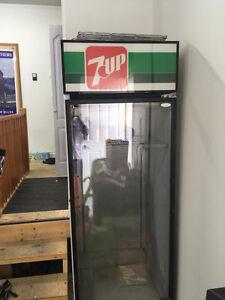 7-UP Full Size Fridge/cooler