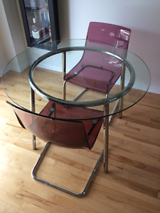 Table à manger ronde 4 places / Rond table for 4 for sale