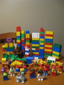 DUPLO LEGO LOT OF 136 PIECES TOY STORY POOH FIGURES