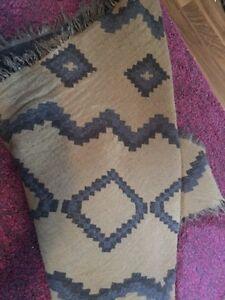 Aritzia Wilfred mosaic triangle scarf