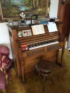 Antique Organ Edmonton Edmonton Area image 1
