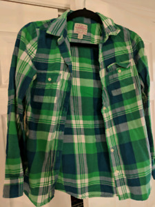 Women's plaid shirt size s, in mint condition