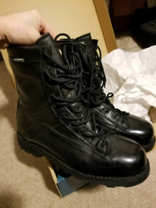 LOWA BATES DANNER Army Boots