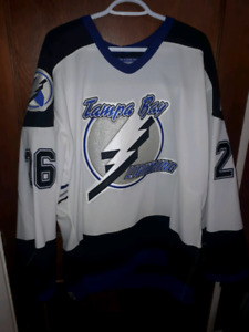 Autographed Martin St. Louis Tampa bay jersey