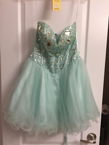 Grad / Prom Dress Size 8 (or adjusted to 6)