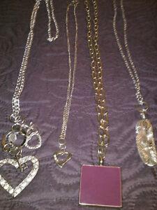 Necklaces Regina Regina Area image 6