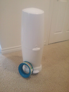 Diaper Genie with 1 new unopened refill