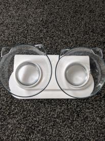 Tilting cat bowls