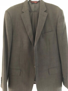 Pronto Uomo Couture Men's Dark Grey Suit (Jacket 44R, pants 39)