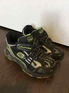 Sketchers Airators size 11 Youth Peterborough Peterborough Area image 1