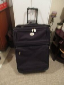 AMERICAN TOURIST LARGE SUITCASE