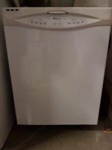 White MAYTAG Dishwasher