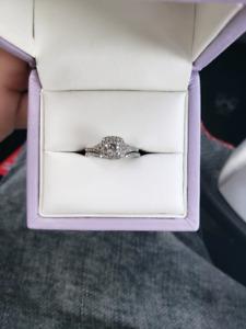 10 Karat White Gold 0.60 Carat Dimond Bridal Set