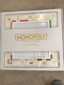 RARE NEW Monopoly LUXE Luxury Edition White Gold Hasbro Limited