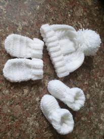 0-3 months white hat mittens boots set. New white