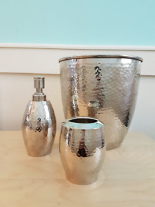 Gluckstein 'Hand' Hammered Silver Effect Bathroom Accessories