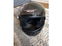 Motorcycle / scooter helmet