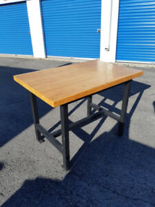 *URGENT MUST SELL* SUPER SOLID Chopping Block / Kitchen Island