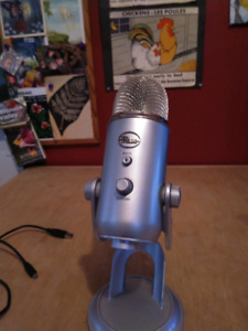 Blue Yeti Digital Audio Microphone/6ft Long Cable