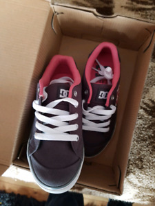 Size 1 dc child sneakers