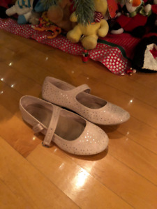 Zara Girl pink shoes (size 34 or 3)