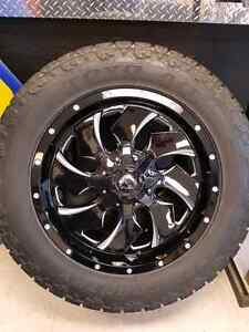 "Fuel Offroad ""Cleaver"" & Toyo Open Country A/T2 LT285/55R20"