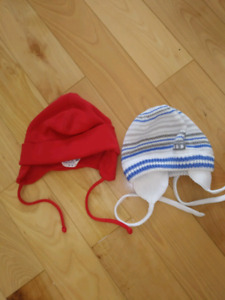 2 Tuques 0-3 mois