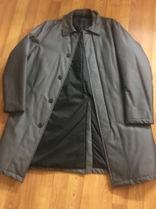 Burberry Trench Coat Mens - $350
