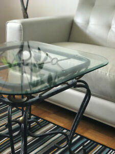 2 coffee tables with glass tops