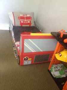 Fire truck bed in new condition!!! London Ontario image 1