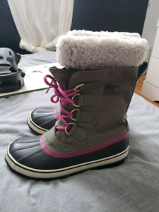 Bottes d'hiver/ Winter boots only 40$