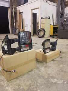 2008 Ford F-350 Super Duty Right and Left Mirrors for Sale