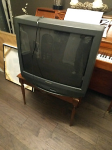 "27"" Panasonic TV"