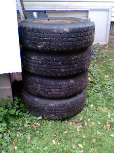 For sale  4  winter tires size  205x70x15