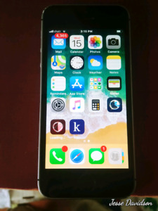 16 gig Iphone SE  with Rogers/fido/chatr