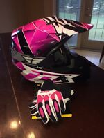 **BRAND NEW/ NEVER WORN** Fox helmet, Thor gloves & goggles.