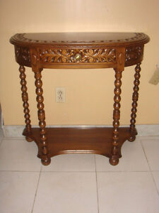 SOLID WOOD SIDE TABLE (USED)  console...