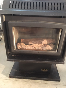 NATURAL GAS WOOD STOVE, GLASS , LOGS, HEATER