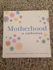 Maternity book and greeting card gift set