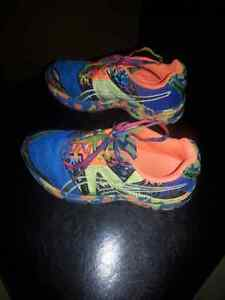 Kids Size 2 1/2 Asics Sneakers