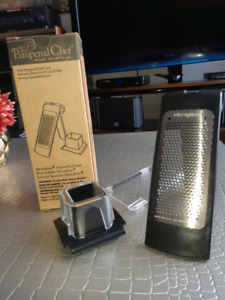 The Pampered Chef - Microplane Adjustable Grater