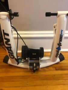 Giant Cycle Tron Mag Trainer + Riser Block &Skewer!  Mint Cond.