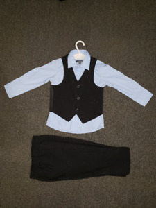 Newberry Size 2 Boys Outfit Excellent Condition
