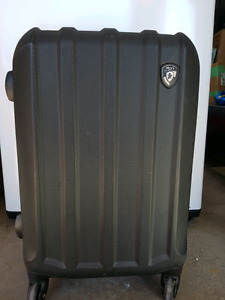Small carry on HEYs brand-black excellent condition